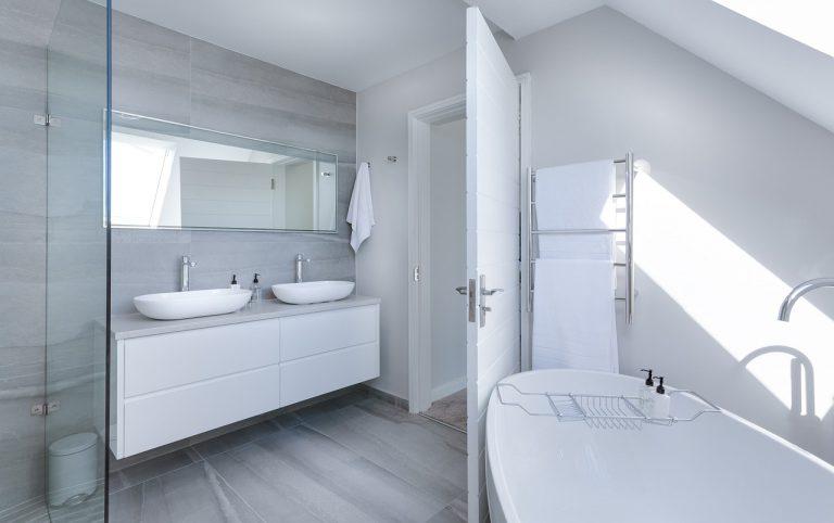 modern-minimalist-bathroom-3115450_1280